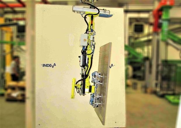 manipulación de las puertas de cocina.