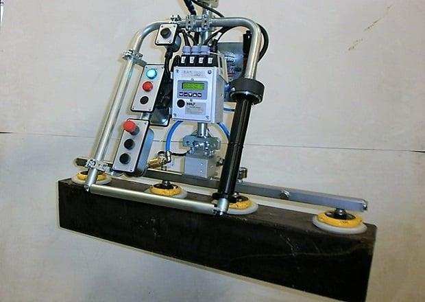 Manipulador de bloques de cacao con herramienta de acero inoxidable