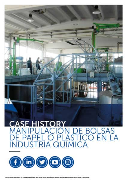Historias de éxito de INDEVA: manipulación de bolsas de papel y plástico en la industria química en total ergonomía y seguridad, aumentando la productividad.
