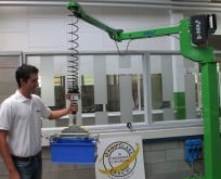 Liftronic Easy column mounted manipulator with jointed arm