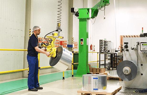 Manipuladores industriales para manipular productos de diferentes tamaños con total ergonomía y seguridad.